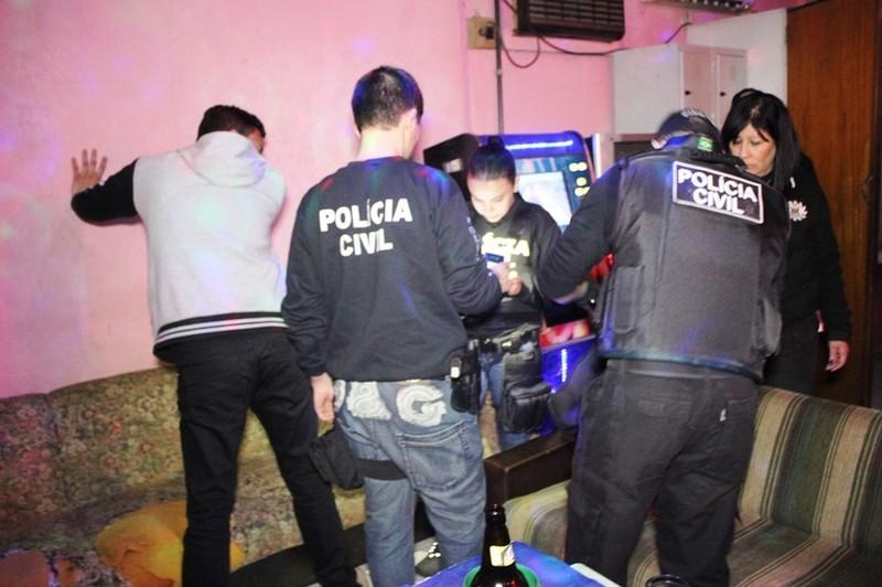 367dd4e9e 20160520093947foto4.jpg Polícia desencadeia Operação Cinderela simultânea  em todo ...
